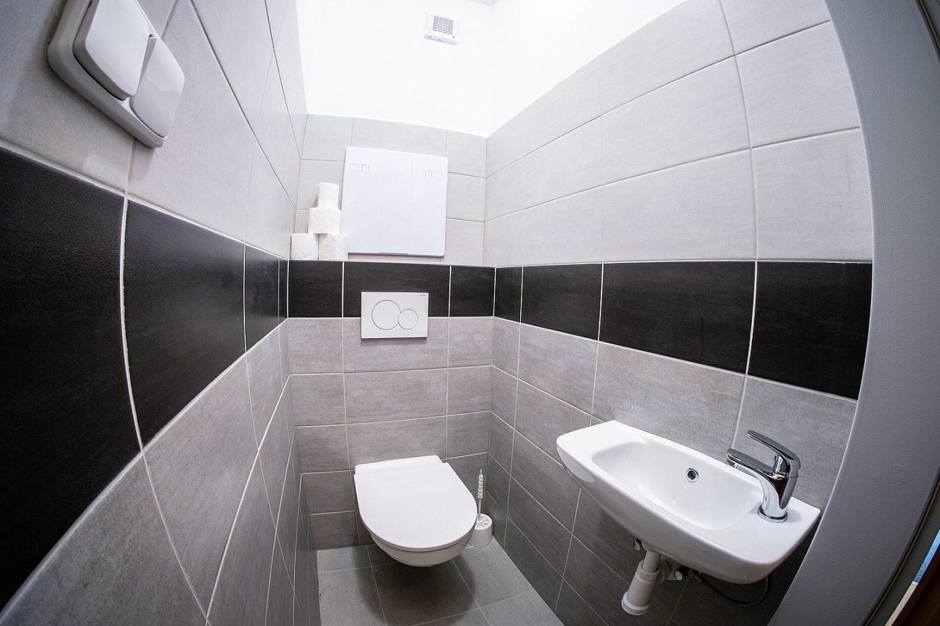 Koupelna – Ubytovna U Nádraží – Levné ubytování v Českých Budějovicích